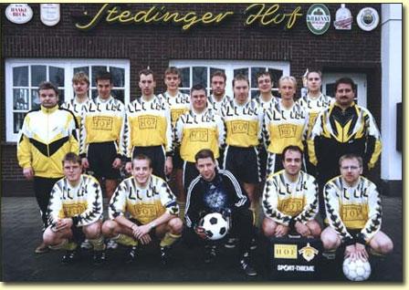 Mannschaftsfoto aus der Saison 2000/01