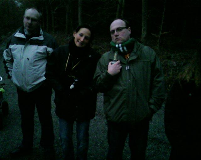 ...Lutz, Katrin und Andreas bei einer kleinen Trinkpause im Hasbruch